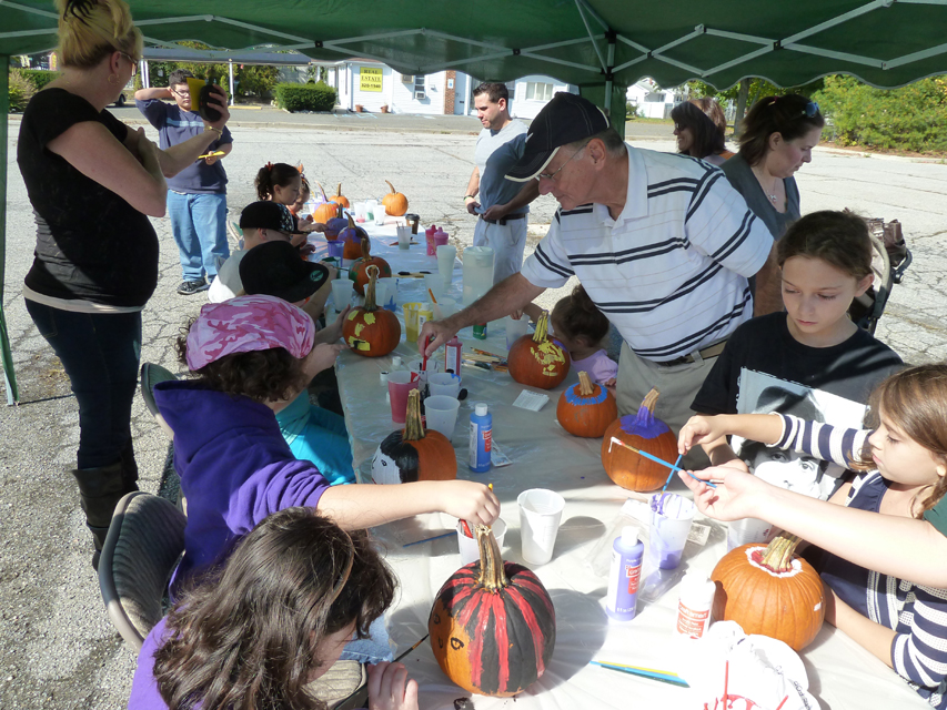 Pumpkin Painting and Food Drive in Farmingville